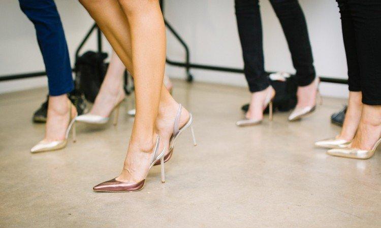 4 wskazówki jak minimalizować uczucie ciężkich nóg - Apteka internetowa Melissa
