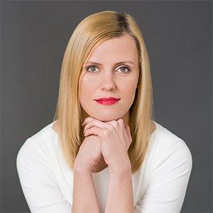 dr n. farm.  Magdalena Stolarczyk