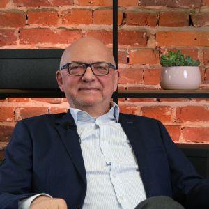 Dr n. med. Jarosław R. Andrzejewski