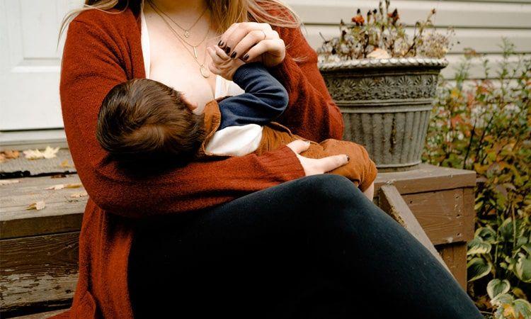 Ból i podrażnione brodawki przy karmieniu piersią – co robić? - Apteka Internetowa Melissa