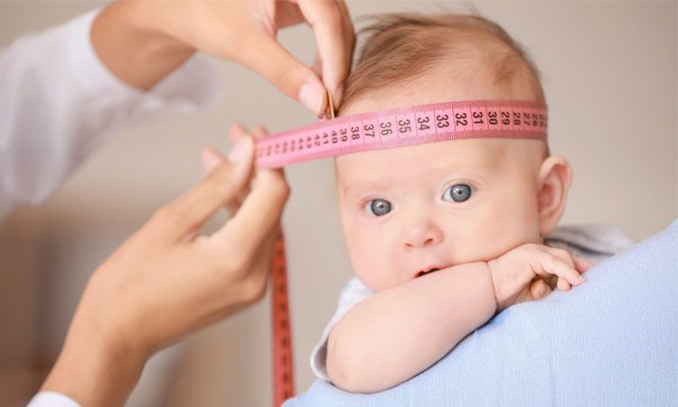 Ciemiączko u noworodka – o czym pamiętać, gdy zarasta?