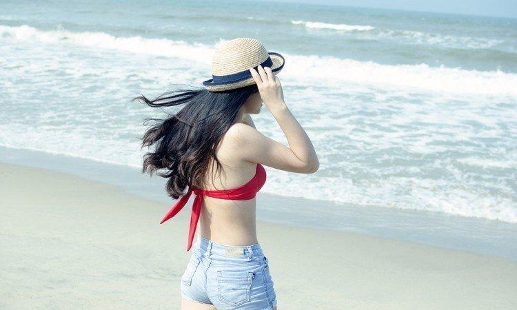 Czy należy bać się słonej wody? - Zadbaj o włosy na wakacjach - Apteka internetowa Melissa