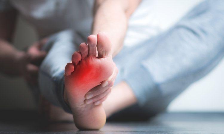 Przyczyny, objawy i leczenie dny moczanowej