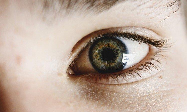Cienie pod oczami - jak je zniwelować?