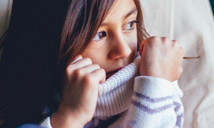 Dowiedz się, dlaczego warto stosować sól fizjologiczną do higieny dziecięcych oczu - Apteka internetowa Melissa