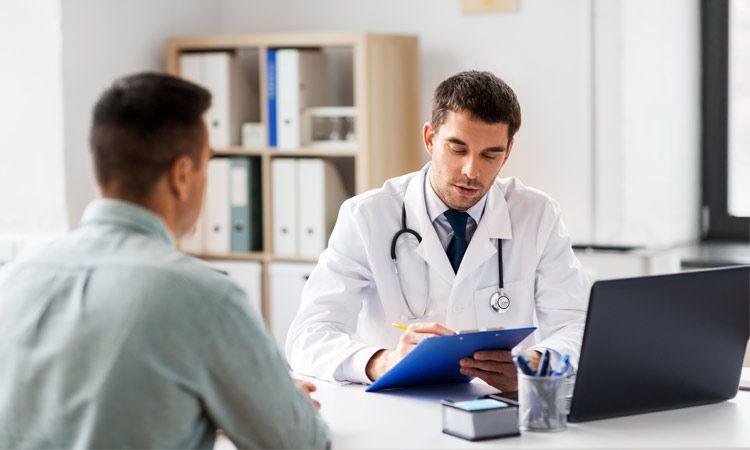 Objawy, przyczyny i operacja ginekomastii