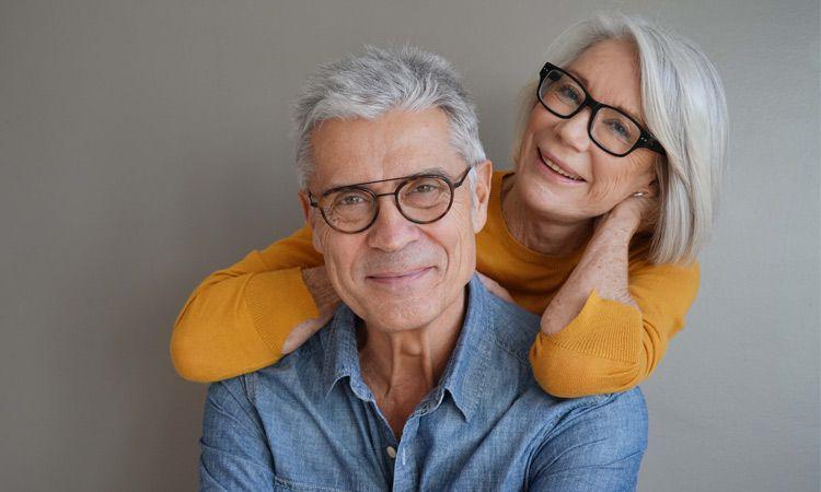 Zdrowy wzrok u osób starszych - jak dbać o oczy u seniora?