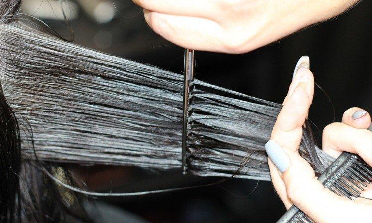 Jak wzmocnić włosy? - Apteka internetowa Melissa