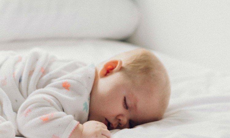 Karmienie mlekiem modyfikowanym – żywienie zastępcze półrocznego malucha