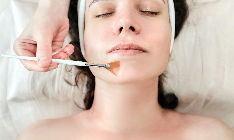 Kwasy kosmetyczne - rodzaje i zastosowanie