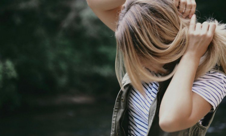 Łupież - przyczyny, profilaktyka, leczenie - Apteka internetowa Melissa