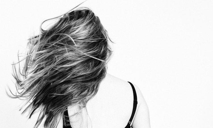 Odkryj niesamowite działanie żelatyny na zdrowe włosy - Apteka internetowa Melissa