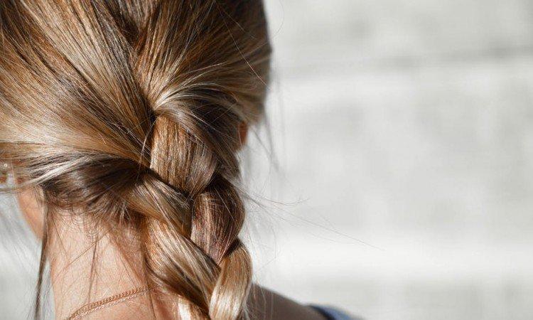 Olej kokosowy na włosy? Dowiedz się, jak go stosować! - Apteka internetowa Melissa