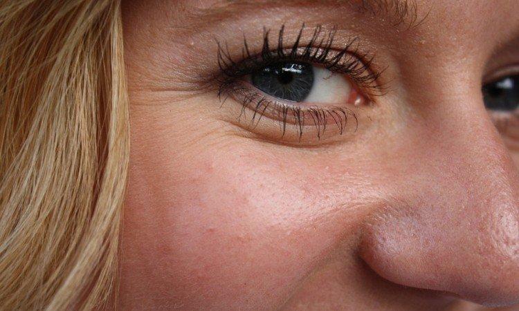 Podpowiadamy, jak dobrać odpowiedni krem przeciwzmarszczkowy - Apteka internetowa Melissa