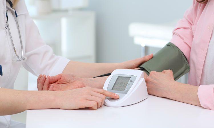 Porady ekspertów: jak wybrać dobry ciśnieniomierz?