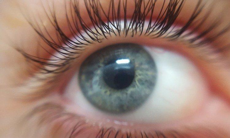 Prawidłowe stosowanie kropli do oczu i efekty - Apteka internetowa Melissa