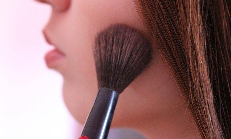 Puder do twarzy - prosty sposób na zamaskowanie niedoskonałości - Apteka internetowa Melissa