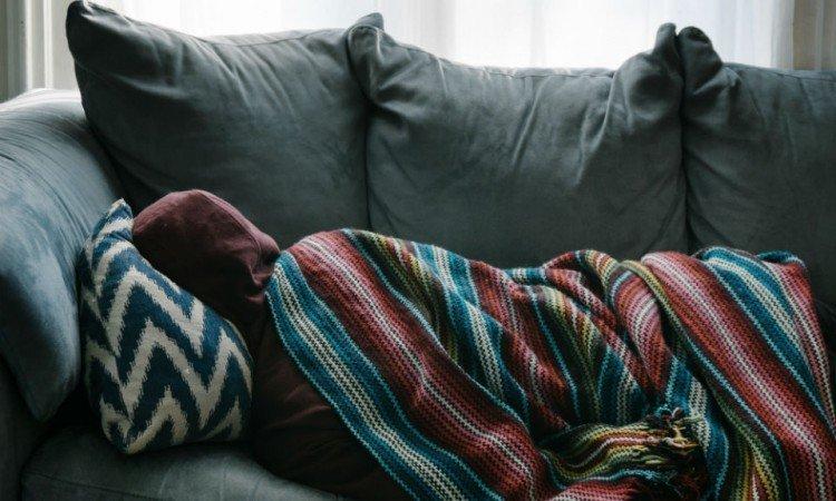 Skąd się bierze wysoka gorączka i jak sobie z nią radzić? - Apteka internetowa Melissa
