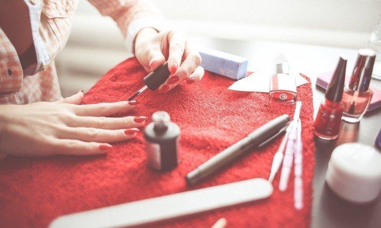 Sposoby na mocne paznokcie - Apteka internetowa Melissa